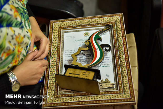 آیین رونمایی از یادداشت تجلیل مقام معظم رهبری از کتاب شهید مجتبی ذوالفقار نسب