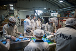 بازدید جمعی از مدیران خبرگزاری مهر از کارخانه «فیروز»