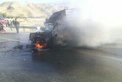 مصدومیت ۳ نفر بر اثر حریق خودرو در چهارمحال و بختیاری