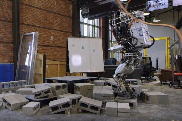 تولید رباتی که از فضاهای تنگ و باریک عبور می کند