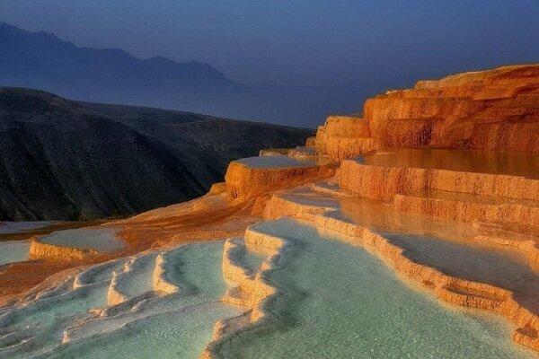Badab-e Surt, seven colors springs