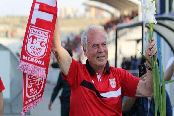Mustafa Denizli yeni takımı ile Türkiye'ye gidecek