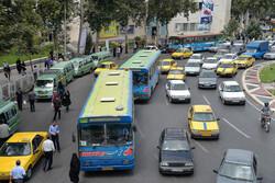 پارک کردن حاشیهای معضل ترافیک گرگان/ حمل و نقل عمومی گسترش یابد