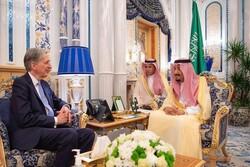 دیدار پادشاه عربستان با وزیر خزانهداری انگلیس