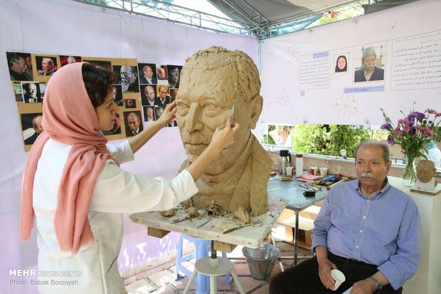 Sculpture symposium on Iranian luminaries underway in Tehran