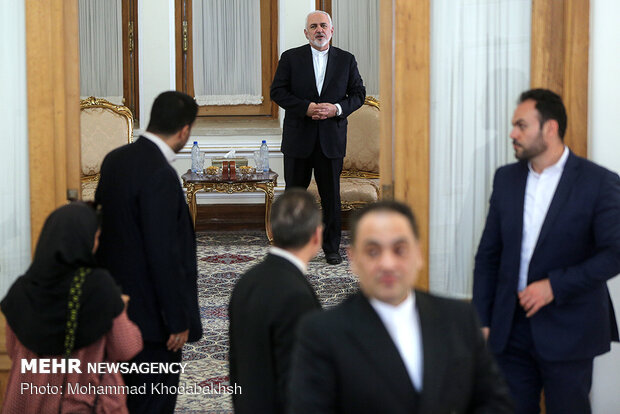 Afghan, Bolivian ambassadors submit credentials to Iranian FM