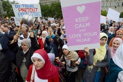 انتخاب حجاب و پشت پا زدن ستارگان غربی به نگاه تجاری به زنان