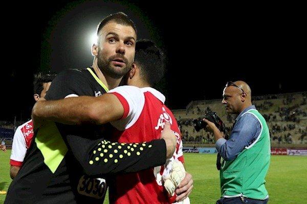 Persepolis keeper Radosevic shown exit door