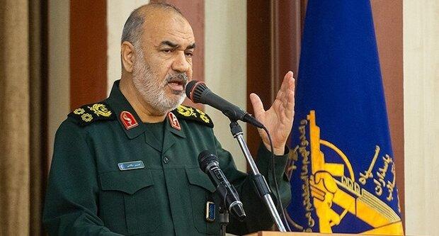اللواء سلامي: الحرب الجديدة ستضع بقايا الكيان الصهيوني على محك التهديد