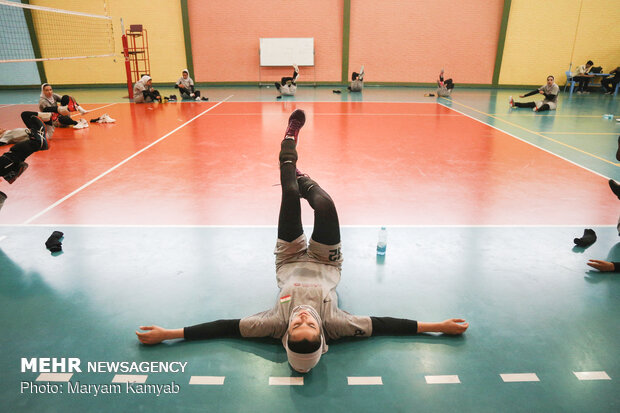 Training session of natl. Iranian women's volleyball team