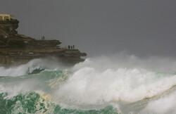 ارتفاع موج در دریای عمان به ۳.۵ متر رسید