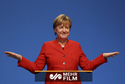VIDEO: Merkel suffers third shaking bout in a month