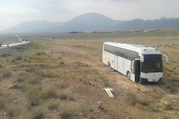 تصادف اتوبوس با پراید در محور ایلام به مهران ۴۲ زخمی برجا گذاشت