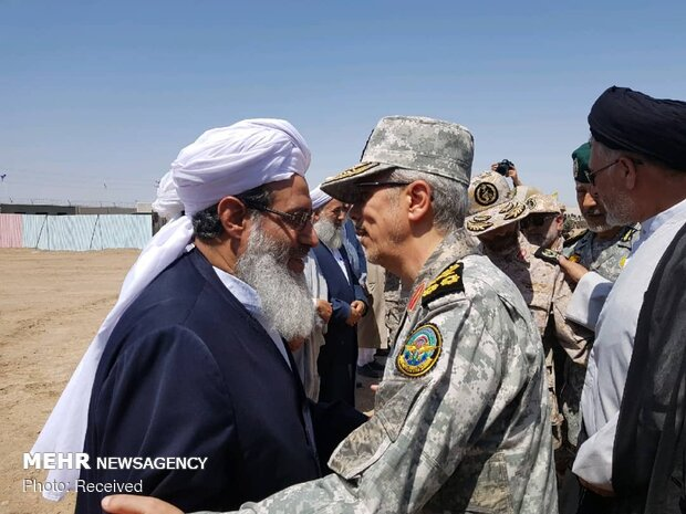 General Bagheri visits northeastern borders