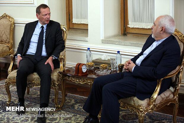 ظريف يستقبل المستشار الدبلوماسي للرئيس الفرنسي امانويل بن