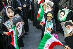 دشمنان حجاب بانوان ایرانی را نشانه گرفتهاند / باید هوشیار بود
