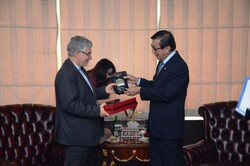 Iranian envoy, Indonesian min. confer on legal and judicial coop.