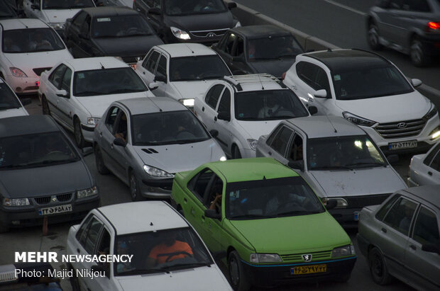بزرگراههای پایتخت با حجم بار ترافیکی صبحگاهی مواجه هستند,