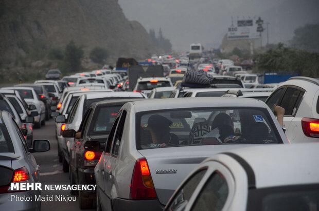 بازگشت ترافیک سنگین به جاده های شمالی/ هوای محورهای شمالی صاف است,