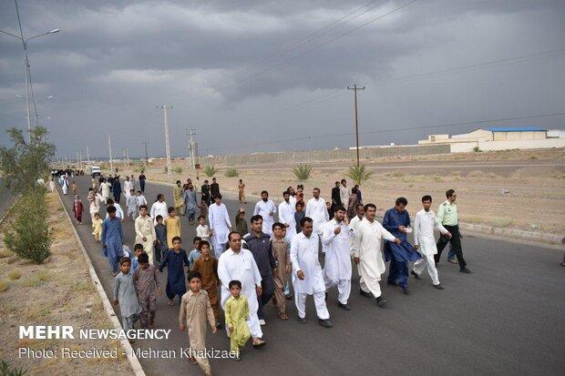 پياده روي خانوادگي به مناسبت دهه کرامت در شهرستان مهرستان