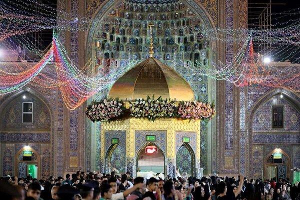 حرم مطهر رضوی گلباران شد/ مشهد غرق نور و شادی است