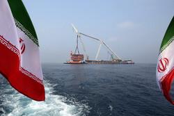"""تثبيت منصة  14B  من مشروع """"بارس جنوبي"""" في قلب الخليج الفارسي / صور"""