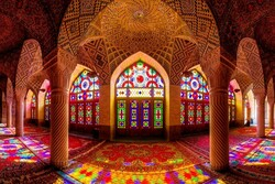VIDEO: Nasir-ol-Molk Mosque, stunning whirling colors