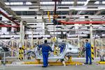 فراز و فرودهای تولید خودروی سواری در سال ۹۸ / کاهش ۴۸ درصدی تولید در یک سال