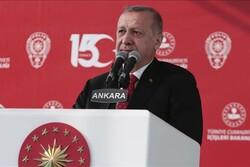 أردوغان يهدد بإطلاق عملية جديدة ضد المقاتلين الأكراد بسوريا