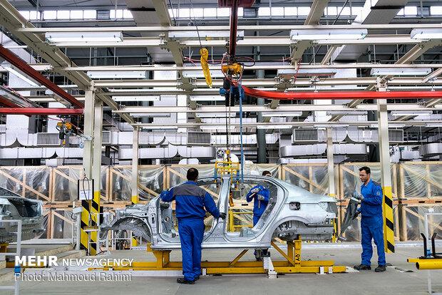 فراز و فرودهای تولید خودروهای سواری/ کاهش ۴۸ درصدی تولید خودرو