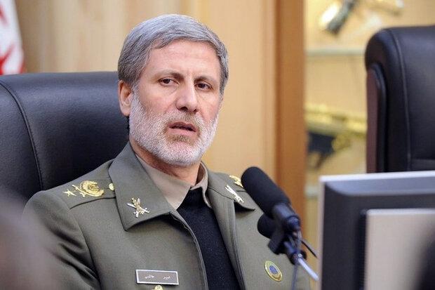 Defense chief says Iran to continue boosting defense power