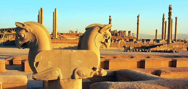 foreign tourist visits to historical sites in Fars