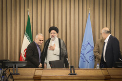 ایرانی عدلیہ کے سربراہ سے وزیر خزانہ کی ملاقات