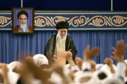 Leader receives Friday prayers leaders from across the country