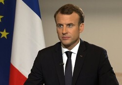 Macron to speak to Rouhani, Putin, Trump to ease tensions