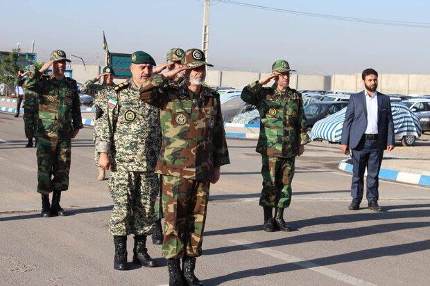 اللواء موسوي يزور لواء 321 المتنقل المهاجم التابع للجيش الايراني