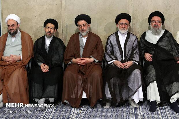 استقبال قائد الثورة الاسلامية لحشد من أئمة الجمعة