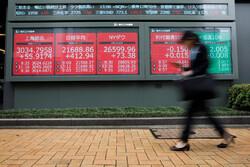 سهام آسیایی با ابهامات جدید برگزیت دچار نوسان شد