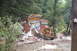 بخش هایی از سفره خانه سنتی معروف ناهارخوران تخریب شد
