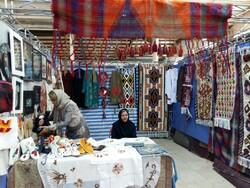 نمایشگاه منطقه ای صنایع دستی و سوغات محلی در ایلامبرپا شد