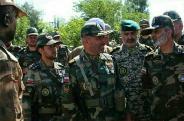 بازدید فرمانده کل ارتش از نمایشگاه ابتکارات تیپ شهید اشراف مرند