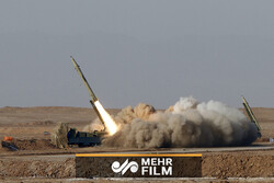 ایرانی میزائل فاتح 110 کے فائر کا منظر