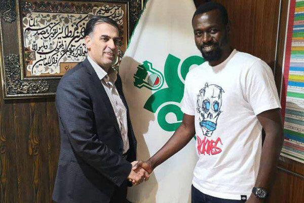 مهاجم نیجریه ای به تیم فوتبال ذوب آهن پیوست