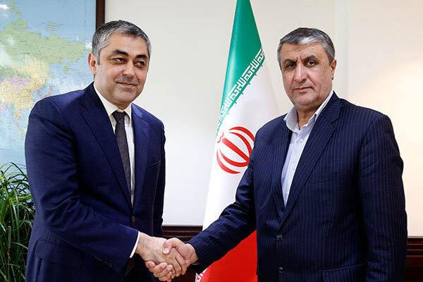 Iran, Azerbaijan confer on expansion of economic, road ties