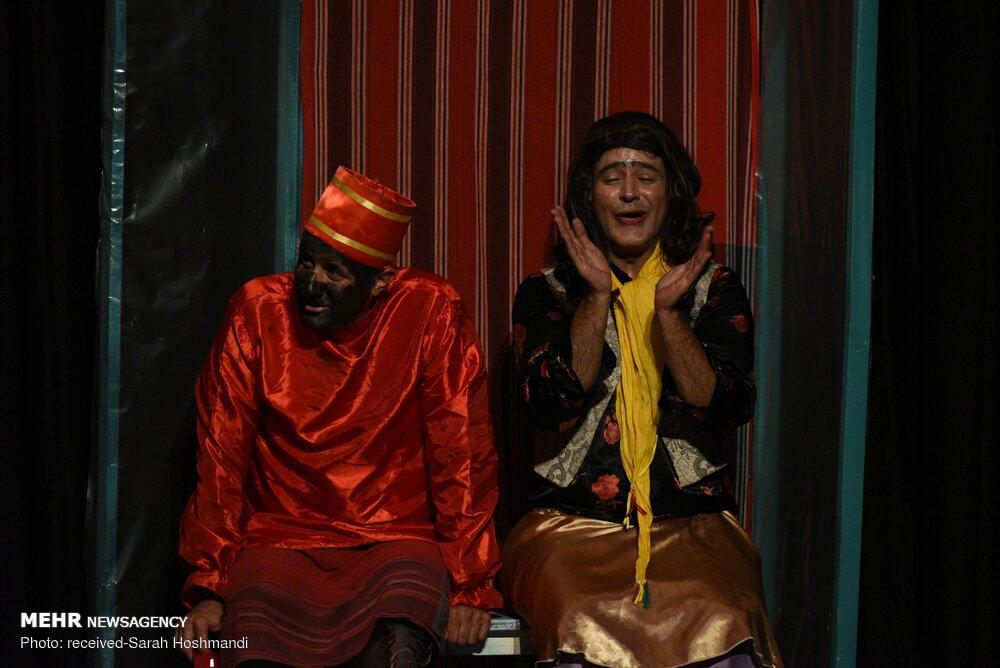 نمایش کمدی «دلاک ها»