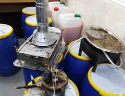 کشف کارگاه تولید مشروبات الکلی در لواسان/۲نفر دستگیر شدند