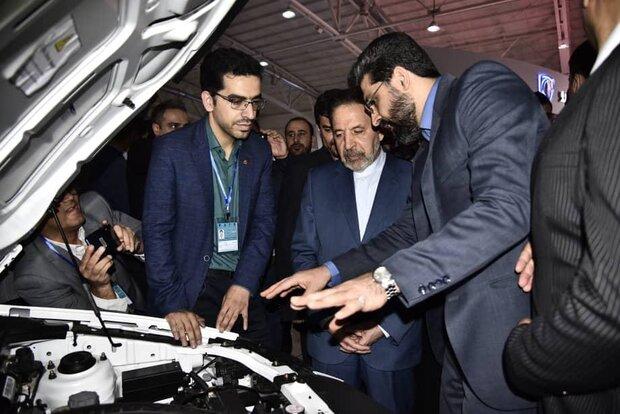 رئیسدفتر رئیسجمهور از غرفه گروه خودروسازی سایپا بازدید کرد