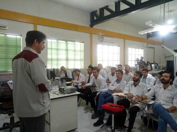 ۶۰ ساعت آموزش مهارتی برای دانش آموزان لازم است