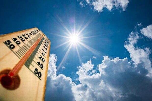 حداکثر دمای هوای قم در روز پنجشنبه ۳۰ درجه است