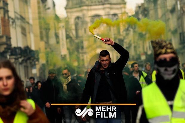 """الإحتجاجات في باريس تعكر صفو""""ماكرون"""""""